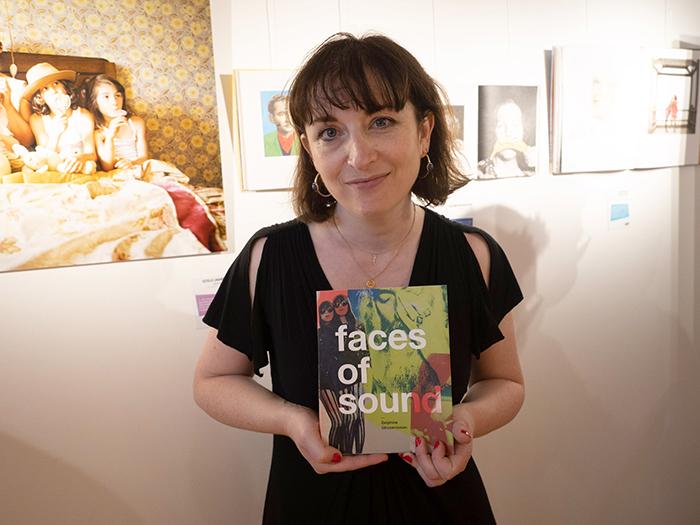 L'autrice Delphine Ghosarossian