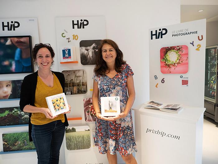 L'éditrice Garance Giraud chez La Martinière Jeunesse et l'autrice Nathalie Seroux